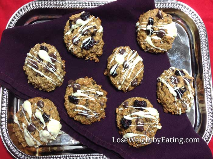 White Chocolate Chip Cherry Oatmeal Cookies