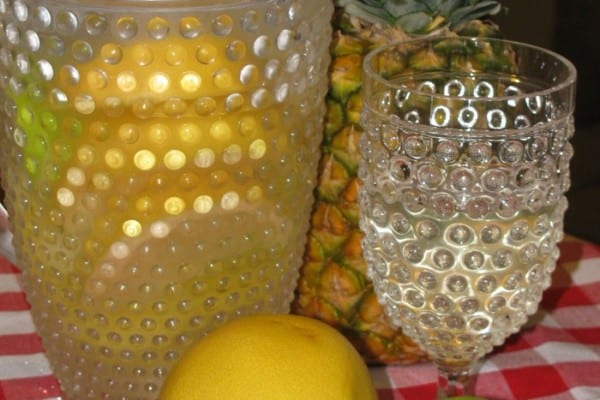 Day Spa Pineapple, Grapefruit and Apple Water
