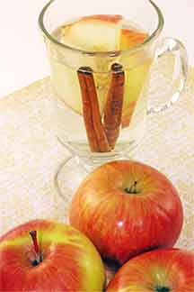 Metabolism Boosting Apple Cinnamon Tea
